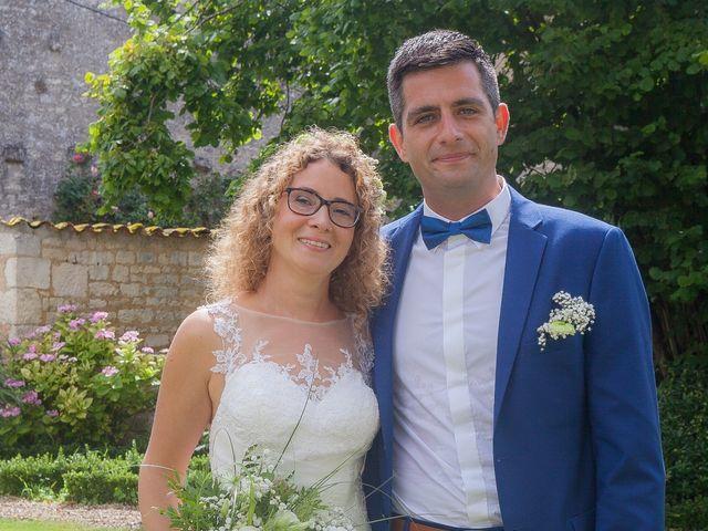 Le mariage de David et Delphine à François, Deux-Sèvres 20