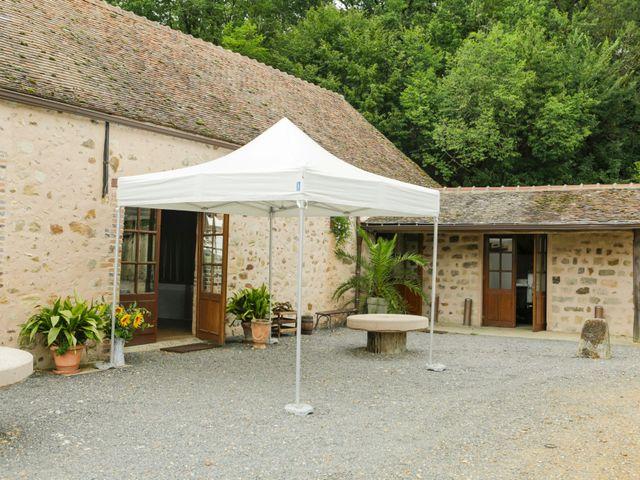 Le mariage de Eric et Isabelle à Courtois-sur-Yonne, Yonne 8