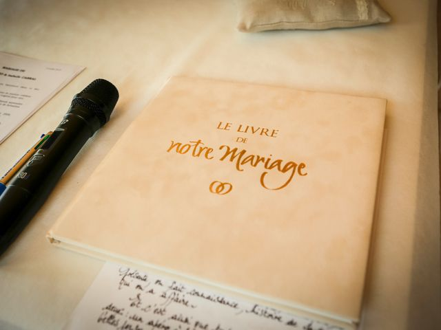 Le mariage de Eric et Isabelle à Courtois-sur-Yonne, Yonne 24