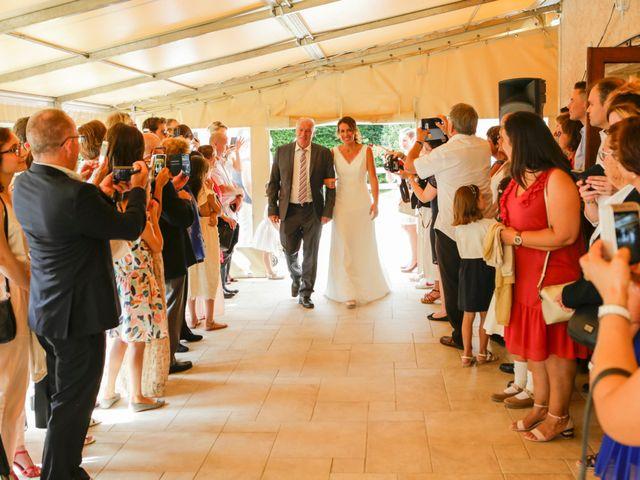 Le mariage de Eric et Isabelle à Courtois-sur-Yonne, Yonne 25