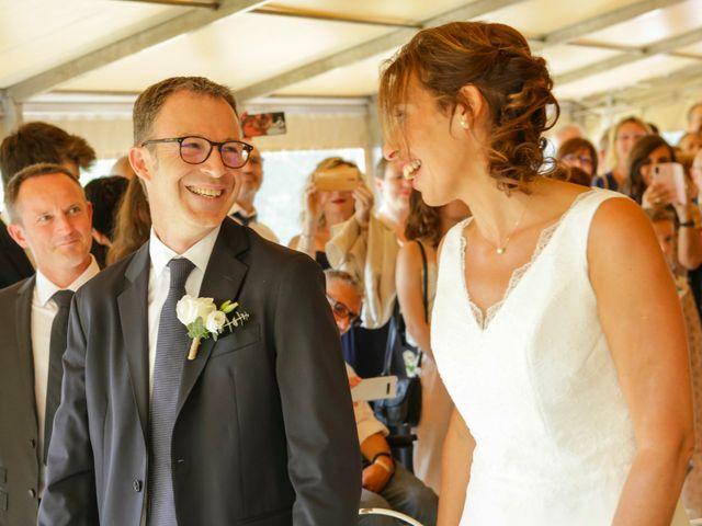 Le mariage de Eric et Isabelle à Courtois-sur-Yonne, Yonne 26