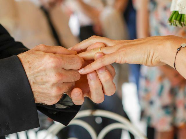 Le mariage de Eric et Isabelle à Courtois-sur-Yonne, Yonne 29