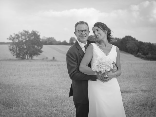 Le mariage de Eric et Isabelle à Courtois-sur-Yonne, Yonne 36