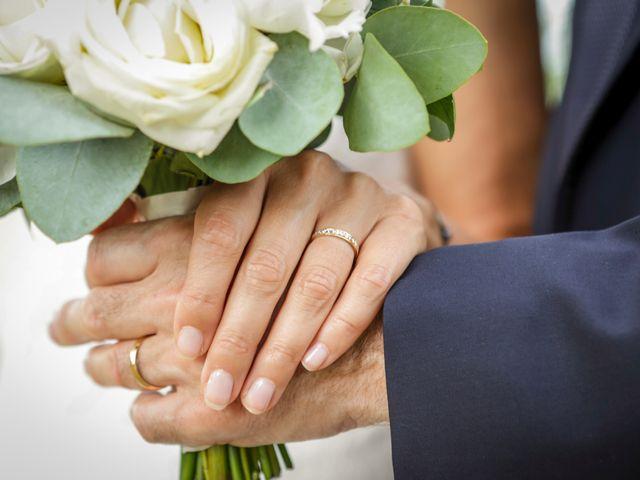Le mariage de Eric et Isabelle à Courtois-sur-Yonne, Yonne 40