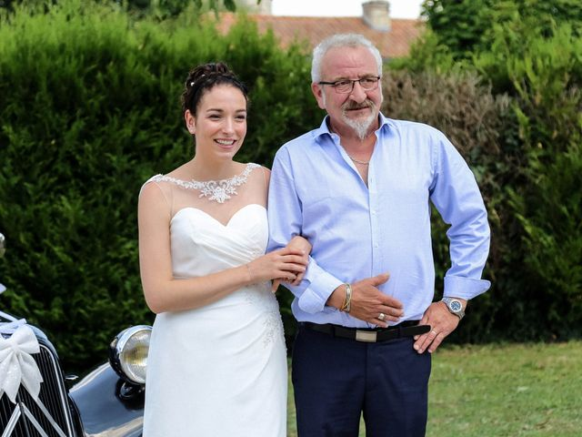 Le mariage de Chistopher et Alexa à Neuville-De-Poitou, Vienne 30