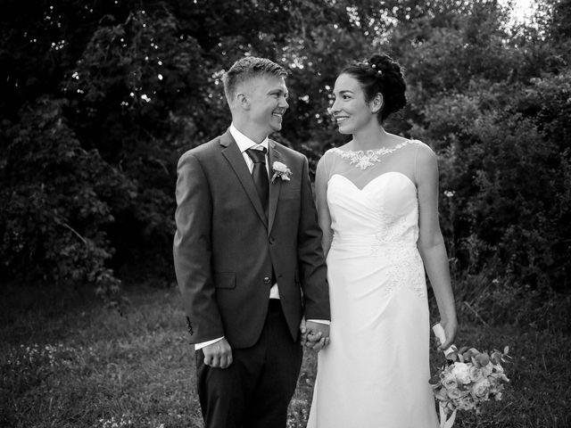 Le mariage de Chistopher et Alexa à Neuville-De-Poitou, Vienne 95