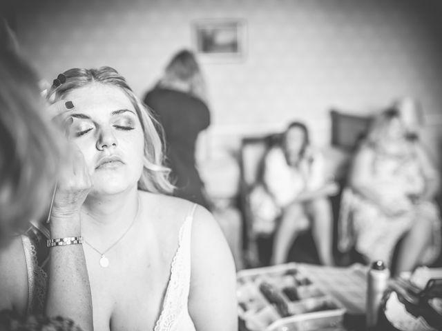Le mariage de John et Elody à Tuffé, Sarthe 15