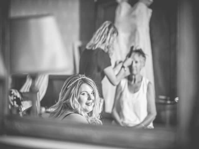 Le mariage de John et Elody à Tuffé, Sarthe 17