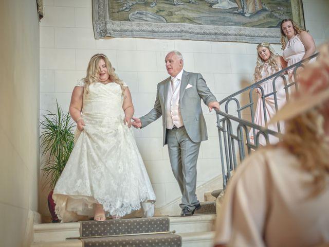 Le mariage de John et Elody à Tuffé, Sarthe 20