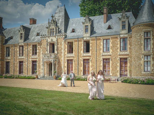 Le mariage de John et Elody à Tuffé, Sarthe 21