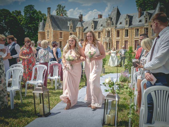 Le mariage de John et Elody à Tuffé, Sarthe 22