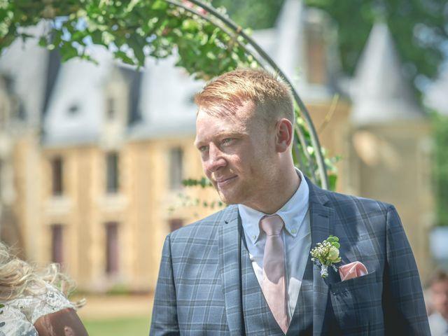 Le mariage de John et Elody à Tuffé, Sarthe 23