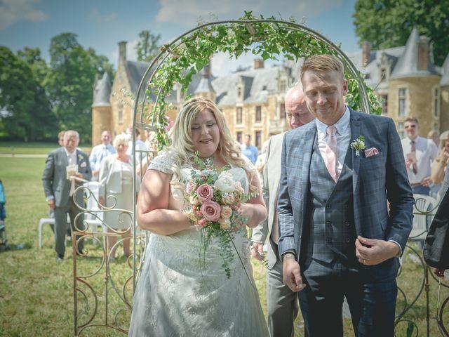 Le mariage de John et Elody à Tuffé, Sarthe 26
