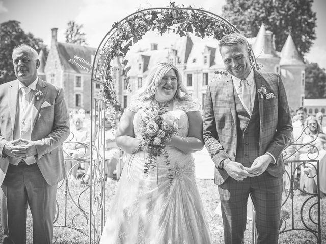 Le mariage de John et Elody à Tuffé, Sarthe 27