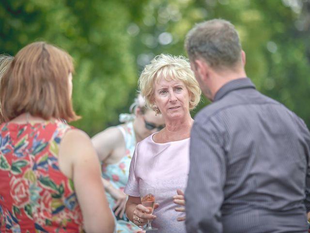 Le mariage de John et Elody à Tuffé, Sarthe 39