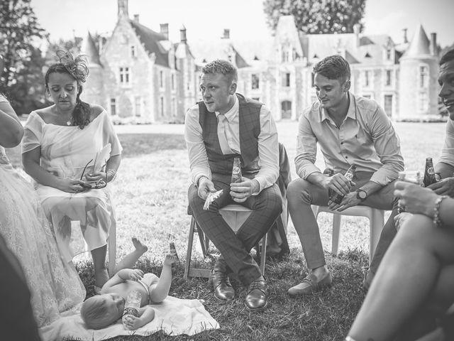 Le mariage de John et Elody à Tuffé, Sarthe 40