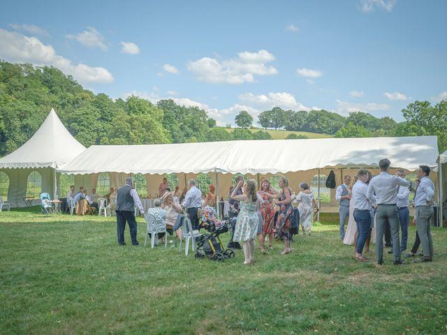 Le mariage de John et Elody à Tuffé, Sarthe 41