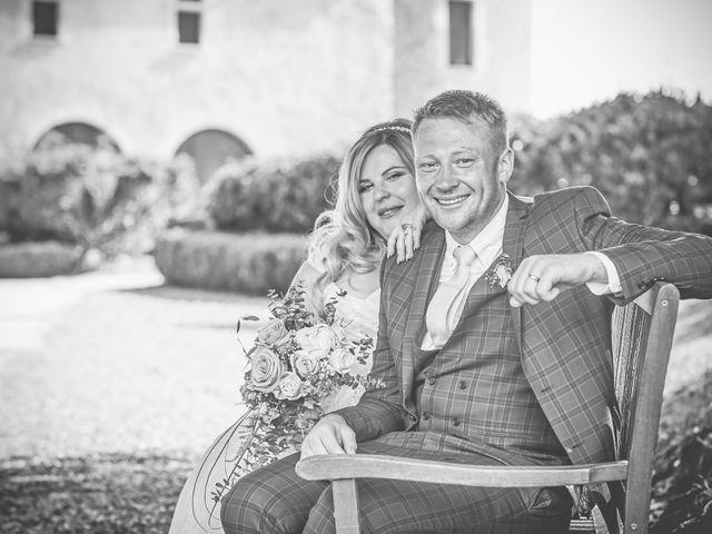 Le mariage de John et Elody à Tuffé, Sarthe 44
