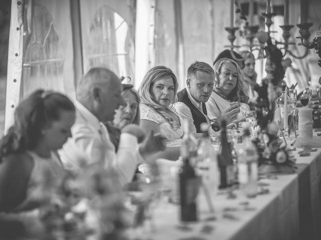 Le mariage de John et Elody à Tuffé, Sarthe 50