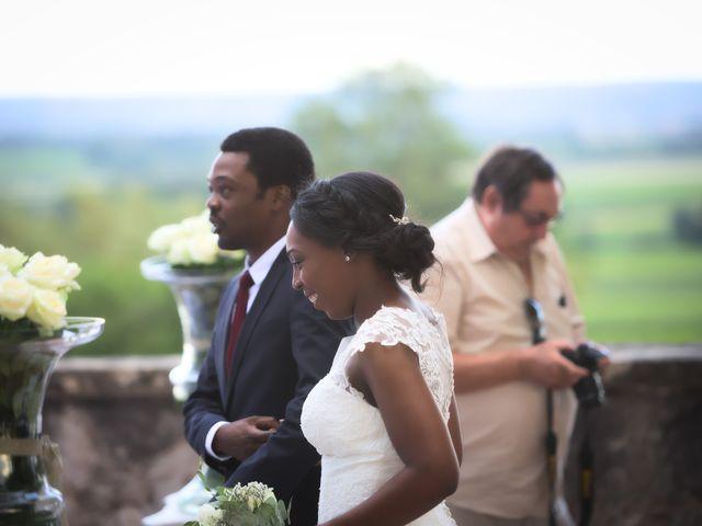 Le mariage de Steve et Dolorès à Villié-Morgon, Rhône 35