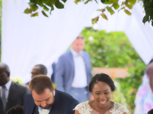 Le mariage de Steve et Dolorès à Villié-Morgon, Rhône 44