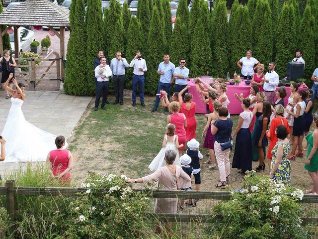 Le mariage de Gaetan et Nora à La Vaupalière, Seine-Maritime 33
