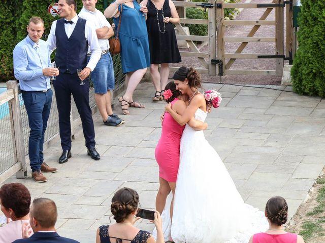 Le mariage de Gaetan et Nora à La Vaupalière, Seine-Maritime 34