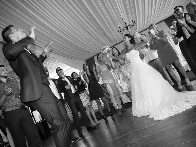 Le mariage de Gaetan et Nora à La Vaupalière, Seine-Maritime 35