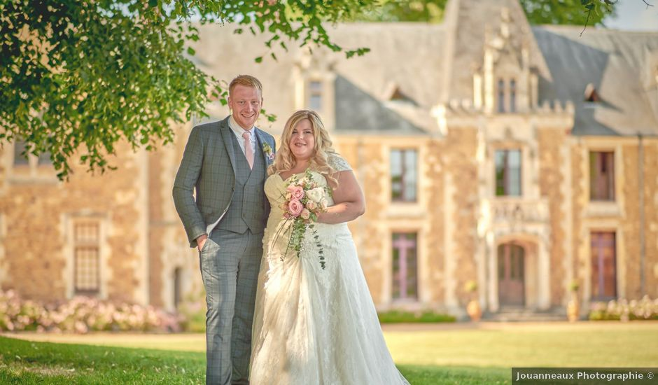 Le mariage de John et Elody à Tuffé, Sarthe