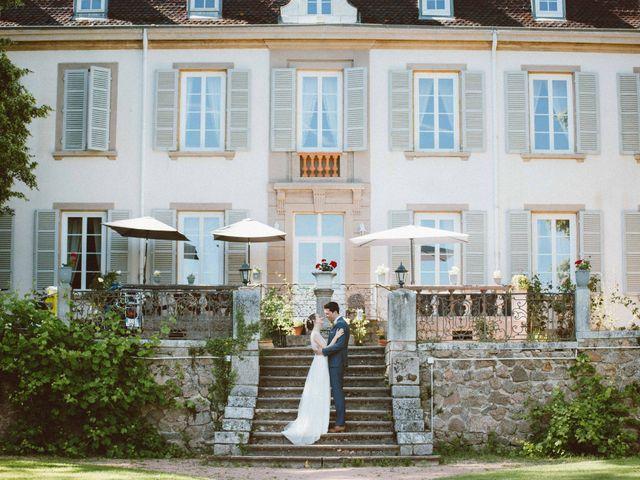 Le mariage de Sébastien et Emma à Saint-Laurent-de-Chamousset, Rhône 30