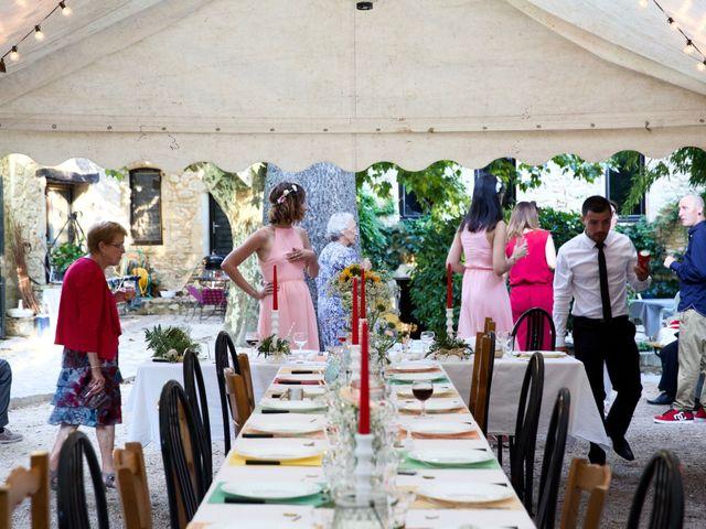 Le mariage de Pierre et Marine à Saint-Marcel-d'Ardèche, Ardèche 26