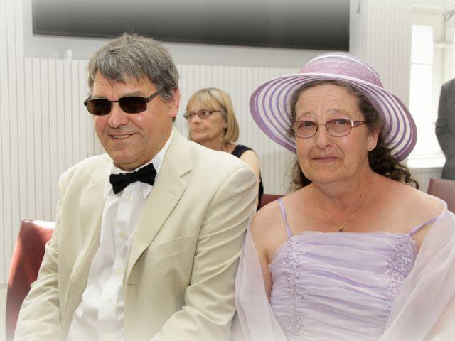 Le mariage de Sébastien et Elodie à Nîmes, Gard 8