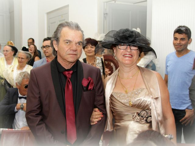 Le mariage de Sébastien et Elodie à Nîmes, Gard 9
