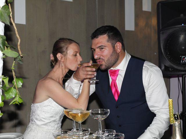 Le mariage de Florian et Noemie à Morières-lès-Avignon, Vaucluse 23