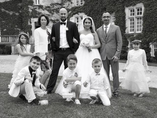 Le mariage de Julien et Angie à Brantôme, Dordogne 23