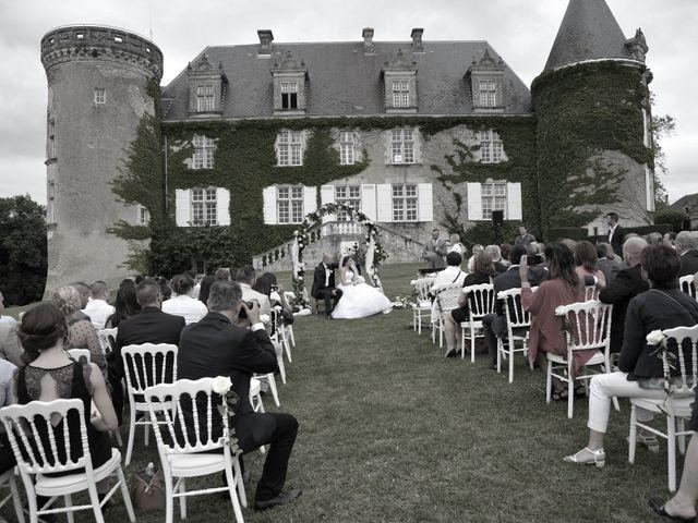 Le mariage de Julien et Angie à Brantôme, Dordogne 25