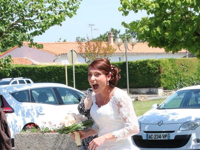Le mariage de Julien et Anne Laure à Aiffres, Deux-Sèvres 3