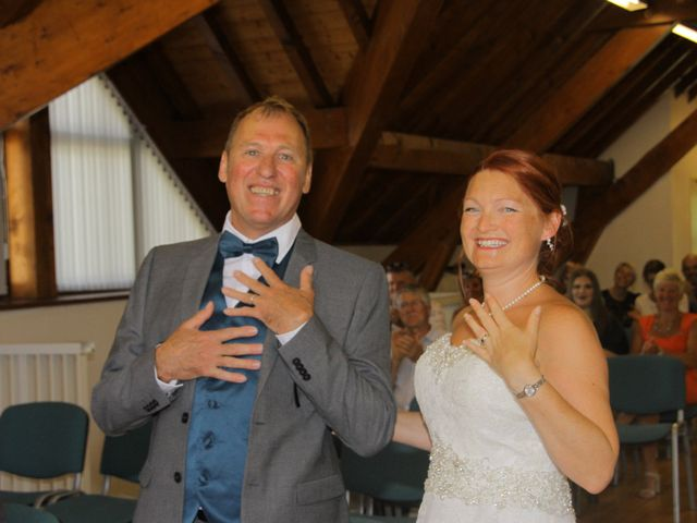 Le mariage de Laurent et Zelpah à Mont-de-Lans, Isère 6
