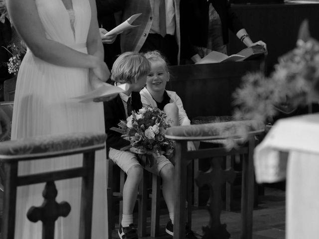 Le mariage de Martin et Agathe à La Ferté-Frênel, Orne 8