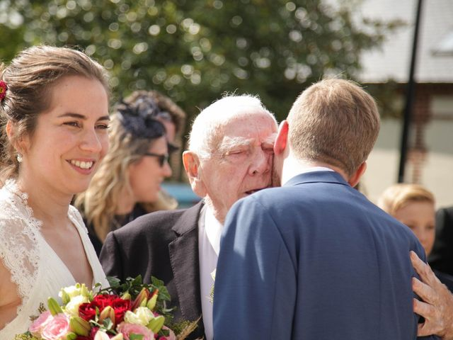Le mariage de Martin et Agathe à La Ferté-Frênel, Orne 12