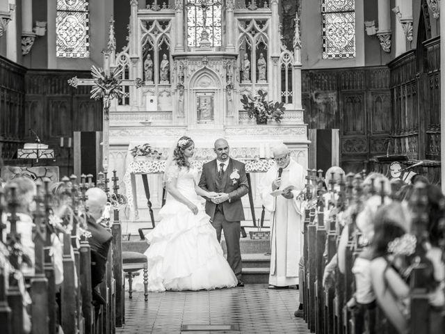 Le mariage de Yoann et Aurélie à Saint-Martin-la-Plaine, Loire 10