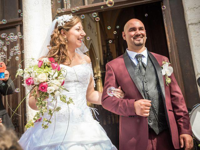 Le mariage de Yoann et Aurélie à Saint-Martin-la-Plaine, Loire 12