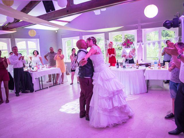 Le mariage de Yoann et Aurélie à Saint-Martin-la-Plaine, Loire 21