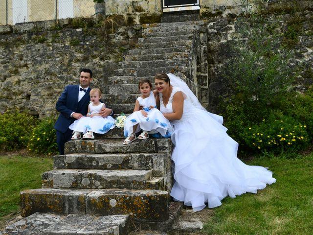 Le mariage de Emilien et Morgane à Cubzac-les-Ponts, Gironde 14