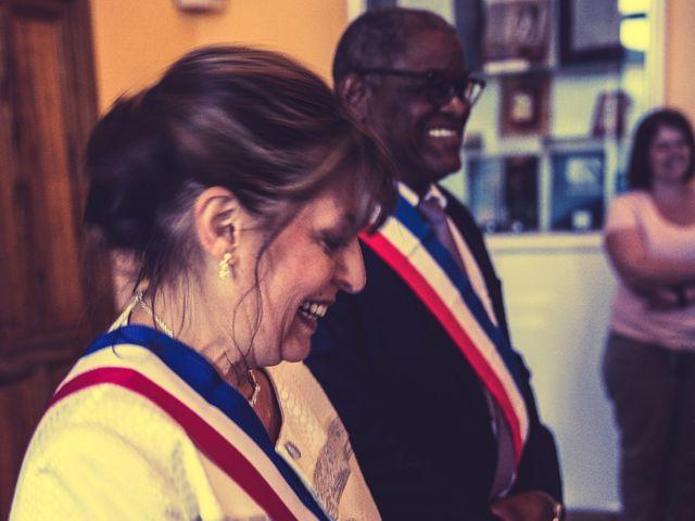 Le mariage de Benjamin et Amandine à Saint-Gilles, Gard 14