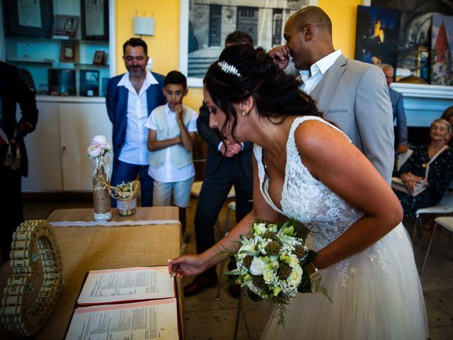 Le mariage de Benjamin et Amandine à Saint-Gilles, Gard 23