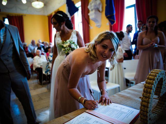 Le mariage de Benjamin et Amandine à Saint-Gilles, Gard 27