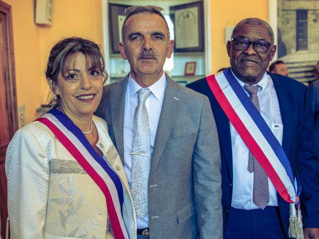 Le mariage de Benjamin et Amandine à Saint-Gilles, Gard 31