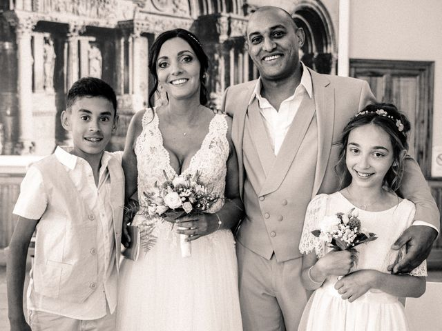 Le mariage de Benjamin et Amandine à Saint-Gilles, Gard 35
