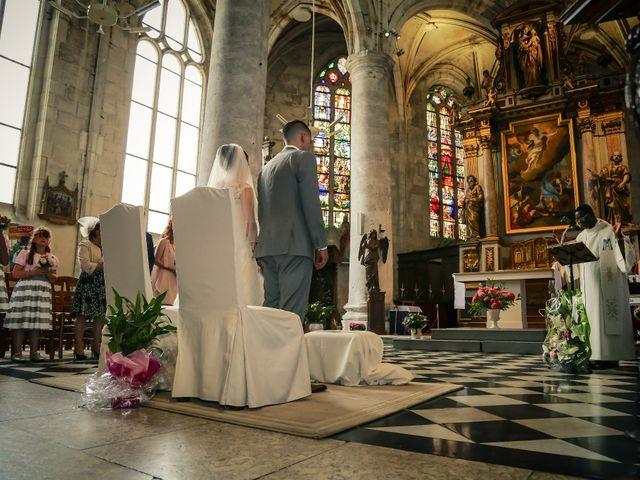 Le mariage de Aurélien et Lucie à Le Neubourg, Eure 35